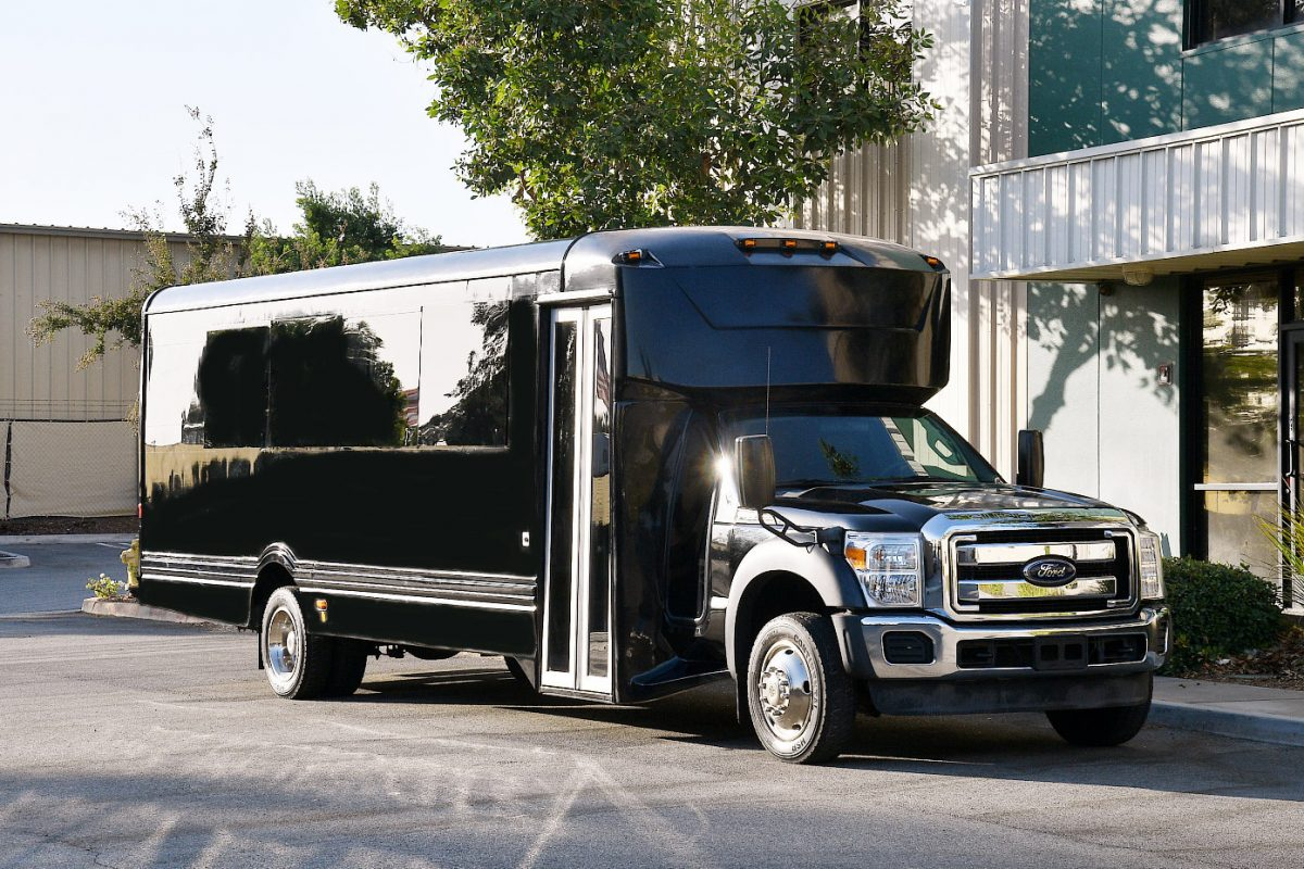 How to Enjoy a Party Bus Rental to Its Fullest